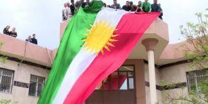 Mahkeme 'yasal' dedi Haşdi Şabi Kürdistan bayraklarını topladı