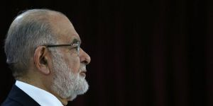 Karamollaoğlu: Afrin harekatı kısa zamanda biter diye ümit ediyorum