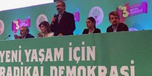 HDP kongresinde Başkan Barzani'nin mesajı ayakta alkışlandı