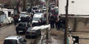Kardeşler sokak ortasında çatıştı: 5 ölü, 2 yaralı