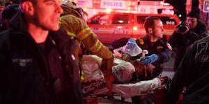 New York'ta helikopter düştü: 5 ölü