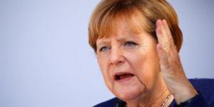 Merkel: Afrin'de olanları en kuvvetli şekilde kınıyoruz