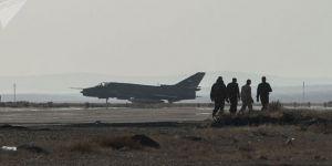 Suriye'deki askeri havaalanına füze saldırısı