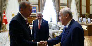 Mahçupyan: Bahçeli Erdoğan'ı çok zor duruma soktu