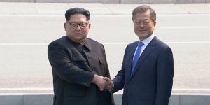 Kuzey Kore ve Güney Kore liderleri sınırda bir araya geldi