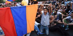 Ermenî doza guherîna rejimê dikin