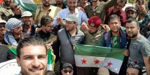 Afrin'de Kürdistan bayrağı