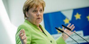 Merkel: Nükleer anlaşmaya sadık kalacağız