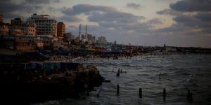 İsrail, Gazze Şeridi'nin deniz sınırına set çekmeye başladı