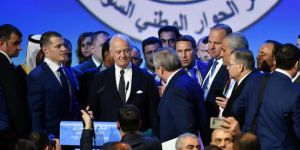 Suriye'nin yeni anayasası Cenevre'de görüşülüyor