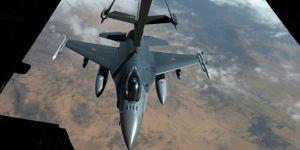 Koalisyon Suriye'de köy bombaladı: 8 ölü