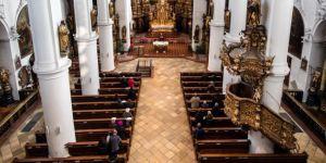 Almanlar kiliseden kaçıyor