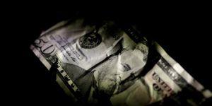 'Asgari ücret Dolar bazında , 646 lira azaldı'