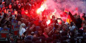 Almanya'da cinayet sonrasında protestolar sürüyor