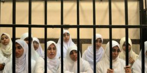 Sisi'nin zindanlarında Müslüman kadınlar işkence görüyor