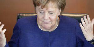 Merkel'den güvenoyu taleplerine ret