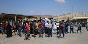 639 Suriyeli sınır dışı edildi