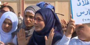 Xwandekarên Rojavayî li dijî helwesta UNICEFê li ber ofîsa NY nerazîbûn nîşan dan