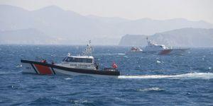 İzmir açıklarında göçmenleri taşıyan tekne battı: 4 ölü, 30 kişi aranıyor