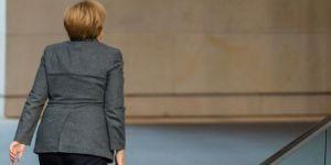 Merkel Liderliği Bırakıyor