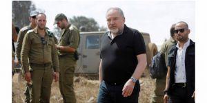 Siyonist bakan istifa etti