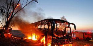 50 İsrail askerini taşıyan otobüsün roketle vurulma anı!