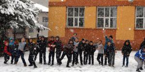 İlk kar tatili verildi