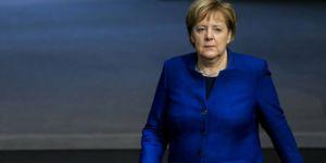 Merkel: Askeri çözüm yolu yok