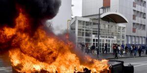Fransa'da tansiyon düşmüyor: Okul girişleri kapatıldı