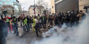 Paris'te Sarı Yelekler sokakta: 481 kişi gözaltında