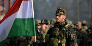 Macaristan'dan Kürdistan'a askeri destek