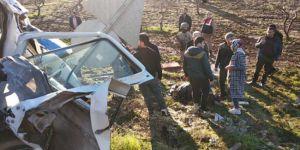 Urfa'da öğrenci servisi ile işçi servisi çarpıştı: 2 ölü