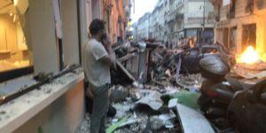 Paris'te patlama meydana geldi