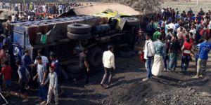 Kamyon işçi barakasına çarptı: 13 ölü