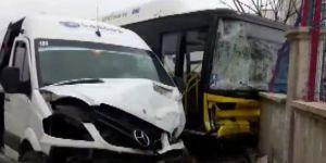 Diyarbakır'da kaza: 13 yaralı