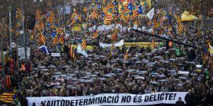 Barcelona'da Katalan liderler için dev gösteri