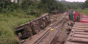 Tren raydan çıktı; 24 ölü, 31 yaralı