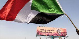 El Beşir Tutuklandı, Ordu Darbe Açıklaması Yaptı