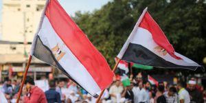 Mısır darbenin süresinin uzaması için referanduma gidiyor