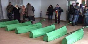 Avrupa'nın Gözleri önünde gerçekleşen katliamın 20 kurbanı toprağa verildi