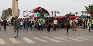 Sarı yelekliler Libya sokaklarında