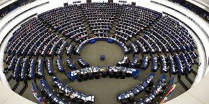 Katalan siyasetçilere yeni yasak