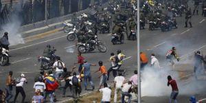 Maduro: Askeri liderler tam bağlılıklarını gösterdi