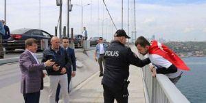 Davutoğlu'nun basın ofisi: İtibar için kurguya ihtiyaç yoktur