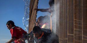 ABD-Meksika sınırında gözaltına alınan göçmen sayısı 100 bini geçti