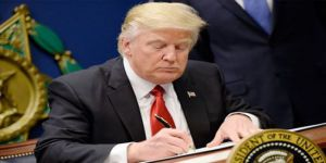 Trump İran'a yönelik yeni yaptırımları imzaladı