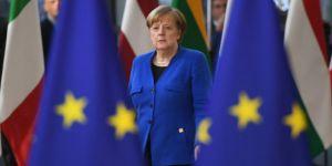 Merkel: Türkiye ile müzakereler ucu açık sürdürülüyor