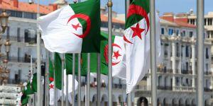 Cezayir'de başsavcı görevden alındı