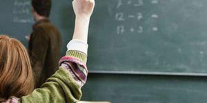 """Öğretmenler ara tatillerde de """"ek ders"""" ücreti alacak"""
