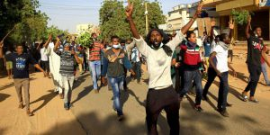 Sudan'da protestocular genel grev ilan etti